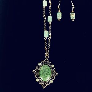 Green stone Pendant  necklace and earrings